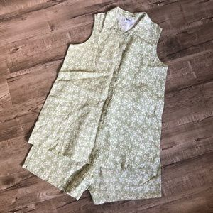 Mimi Maternity Sage Floral linen shorts & Top Lg
